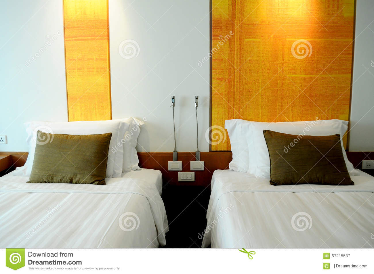 Pillows on Twin beds