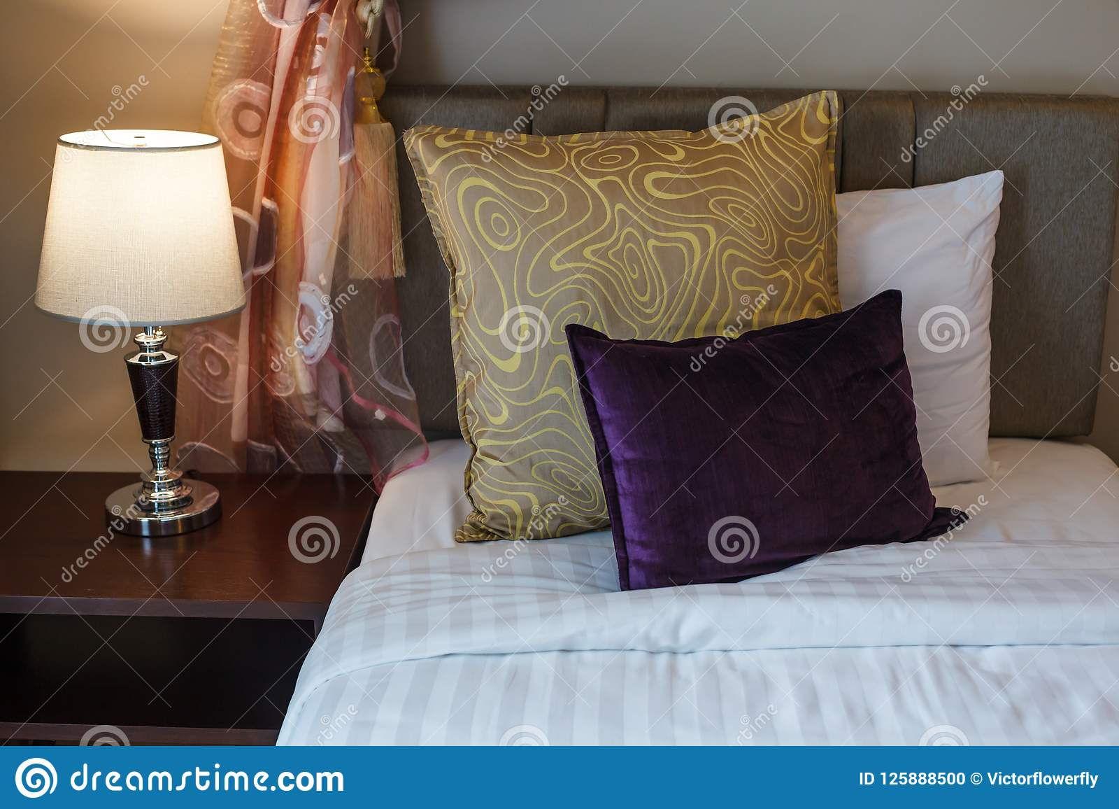 Download Pillows On White Bed Sheet Bedding And Lamp On Bed Side Table. Twin  Beds