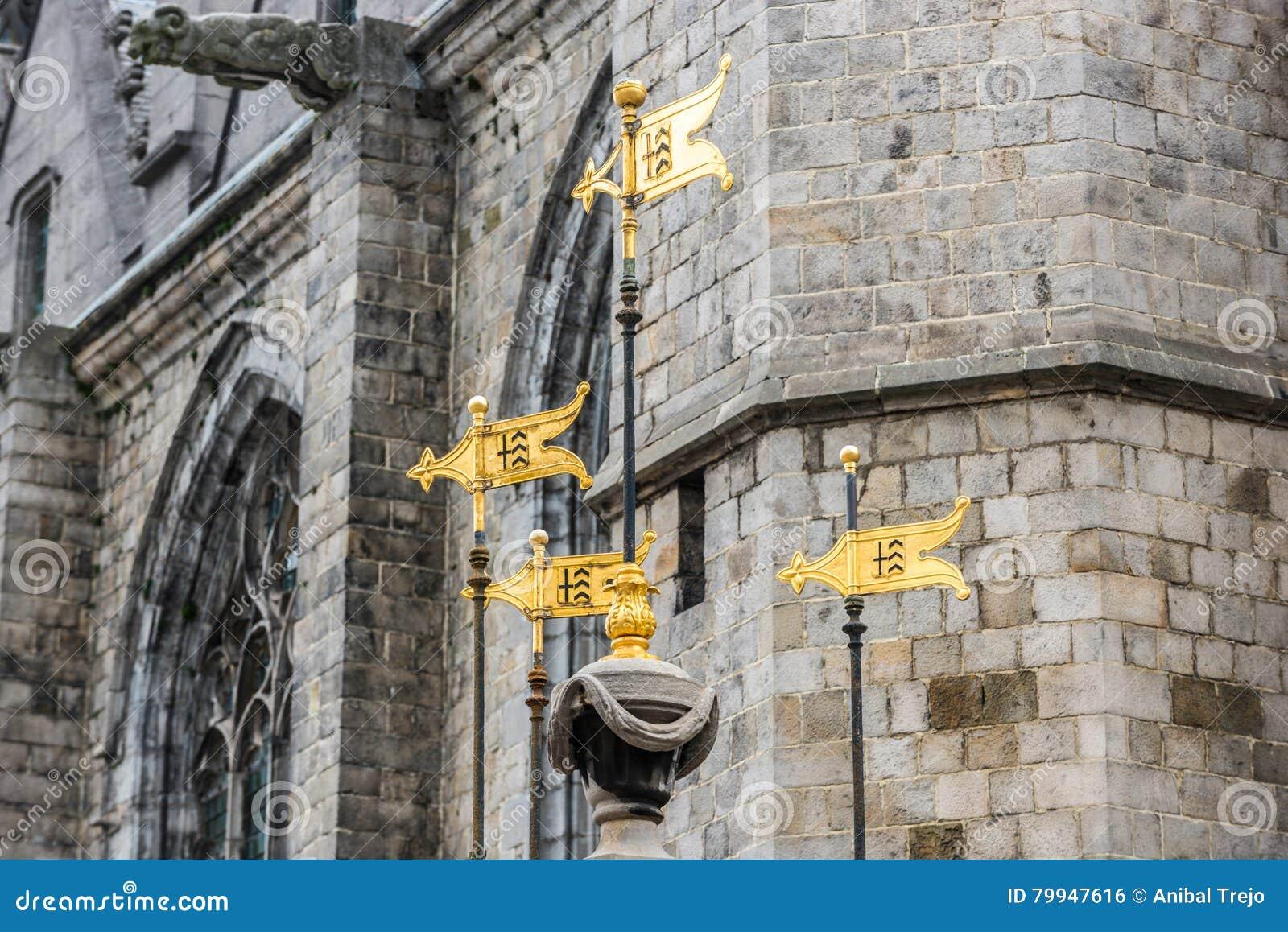 Pilory Well fontanna w Mons, Belgia