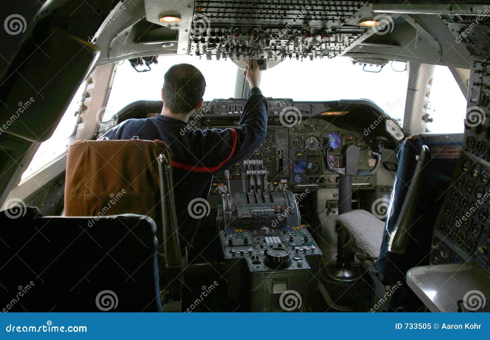 Pilote aux contrôles