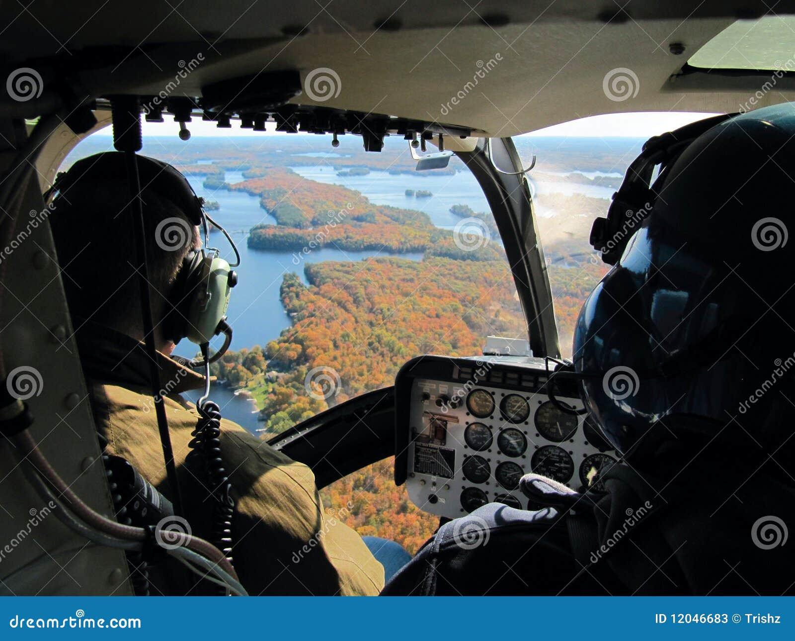 Pilotes dans l hélicoptère
