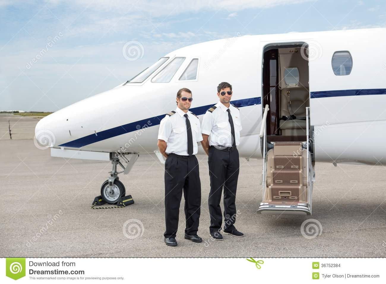 Pilots Standing In Front Of Private Jet Stock Images & Jet Open Door Stock Photos Images \u0026 Pictures - 370 Images Pezcame.Com