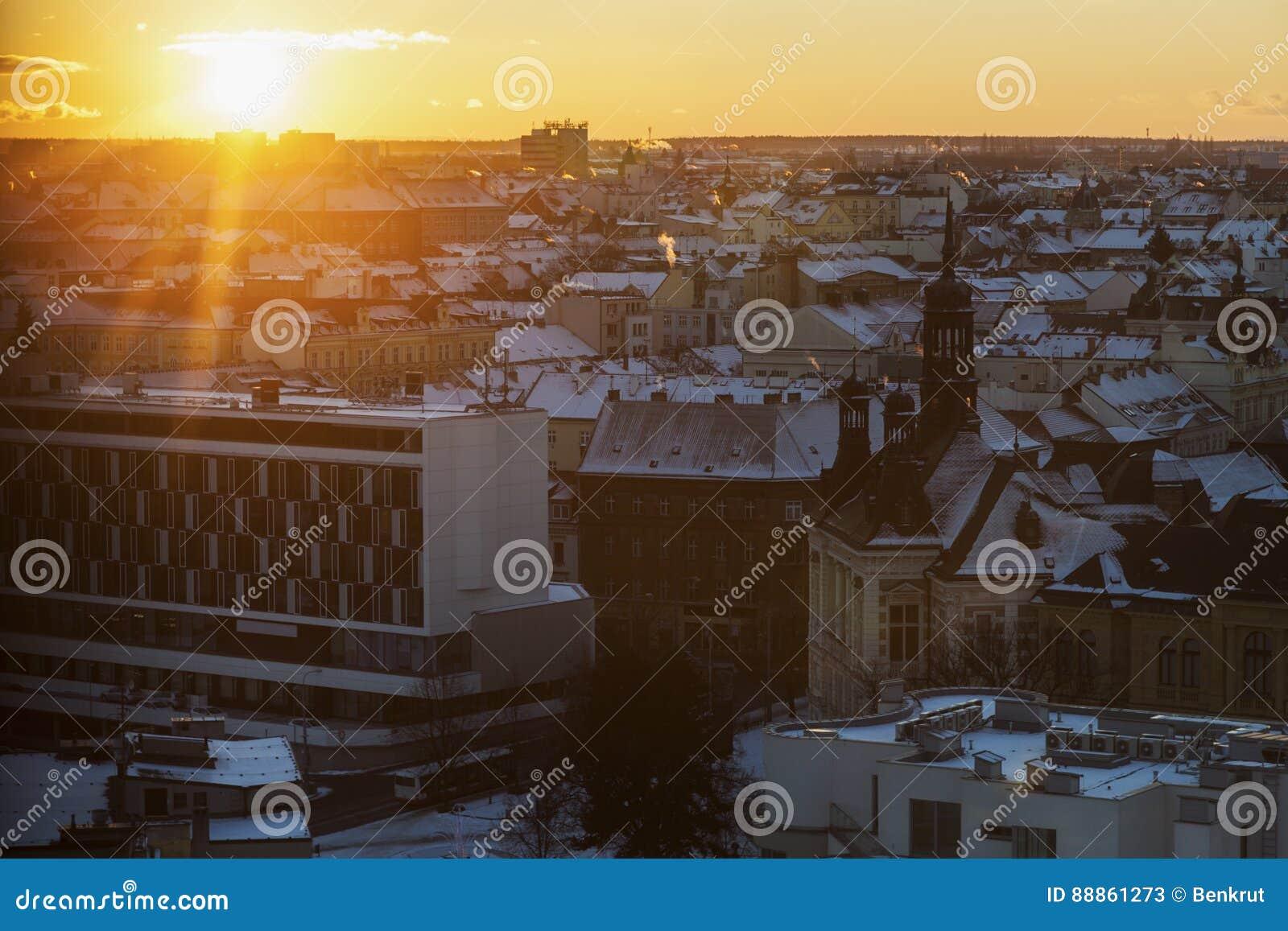 Pilsen panorama przy zmierzchem