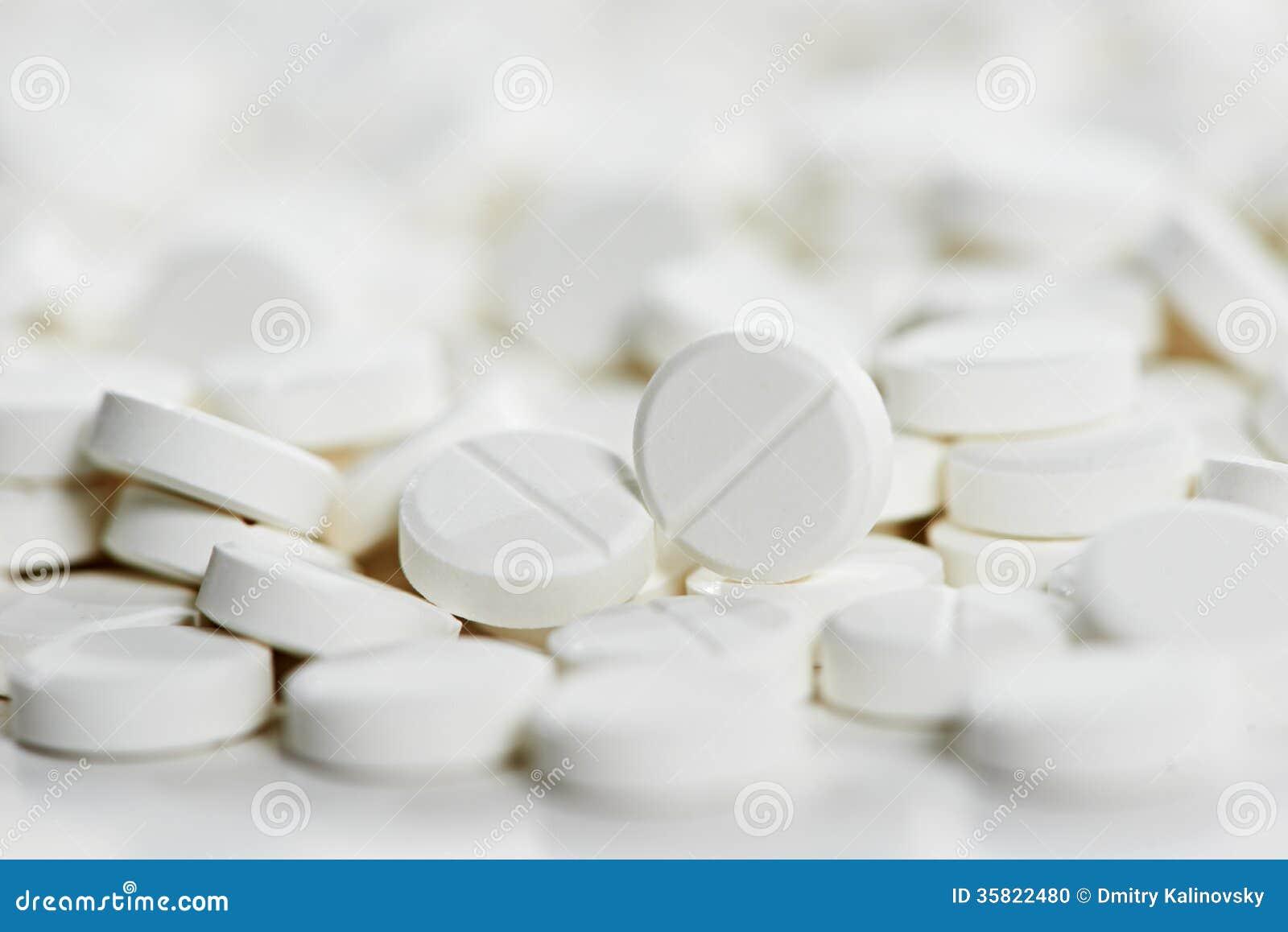 Pilules rondes blanches d antibiotique de comprimé de médecine