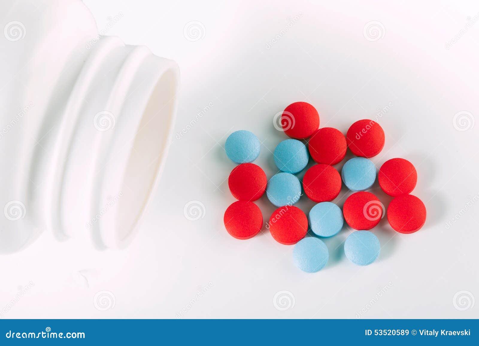 Pilules rouges et bleues de drogue