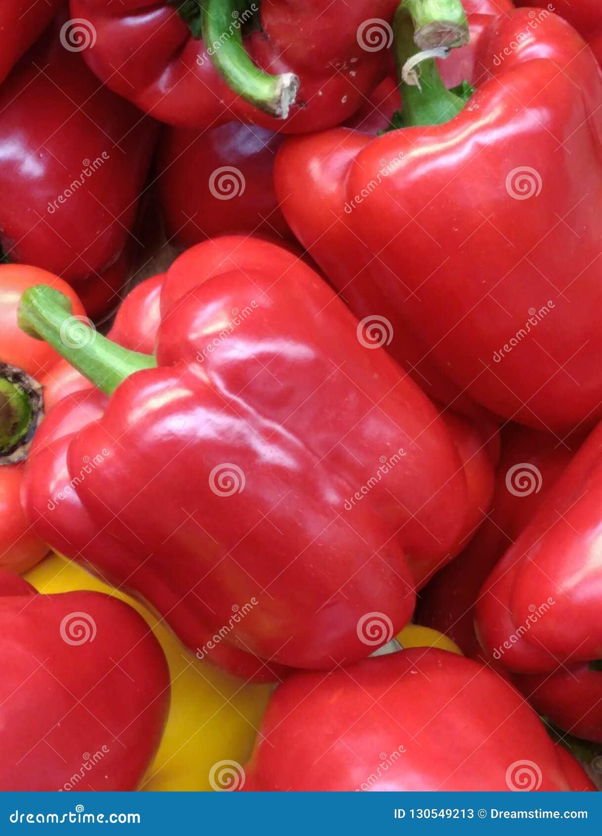 Pimientas rojas grandes