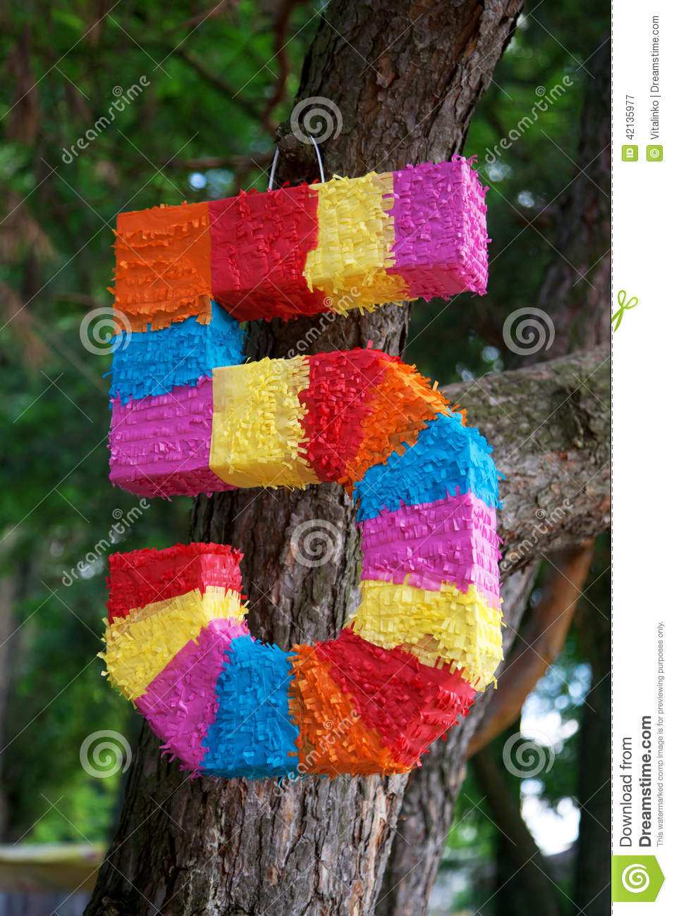pinata as numbers of five stock photo image 42135977. Black Bedroom Furniture Sets. Home Design Ideas