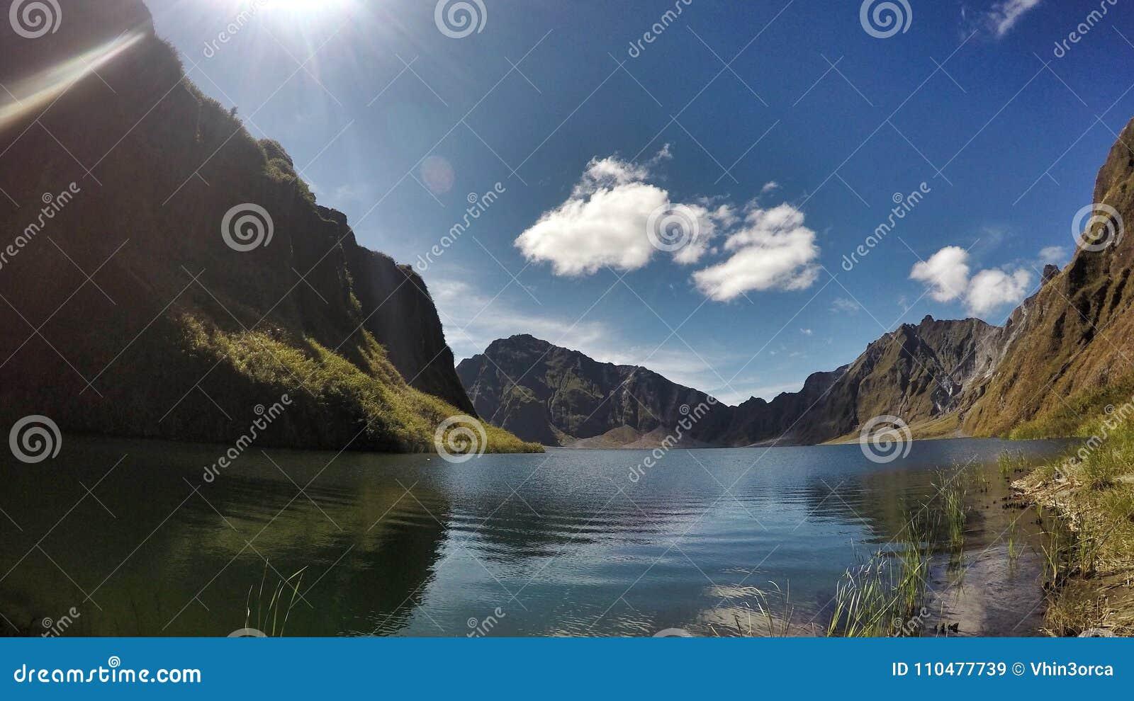 Pinatubo krater sjö