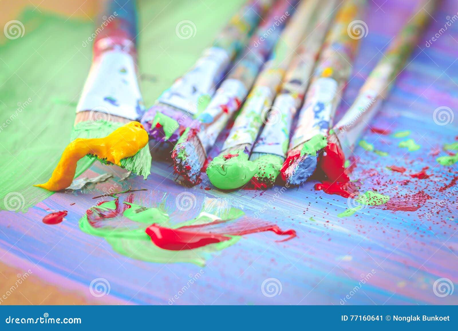 Pinceaux colorés