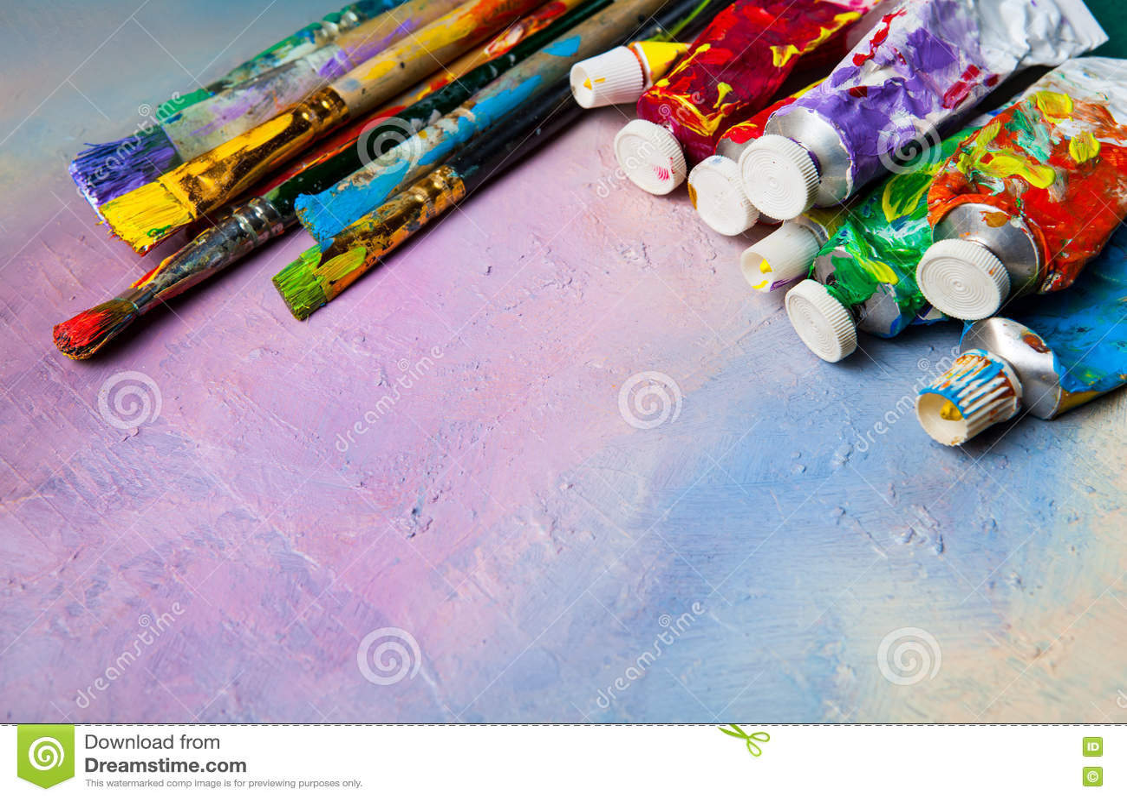 pinceaux et tubes de peinture l 39 huile photo stock image 72645863. Black Bedroom Furniture Sets. Home Design Ideas