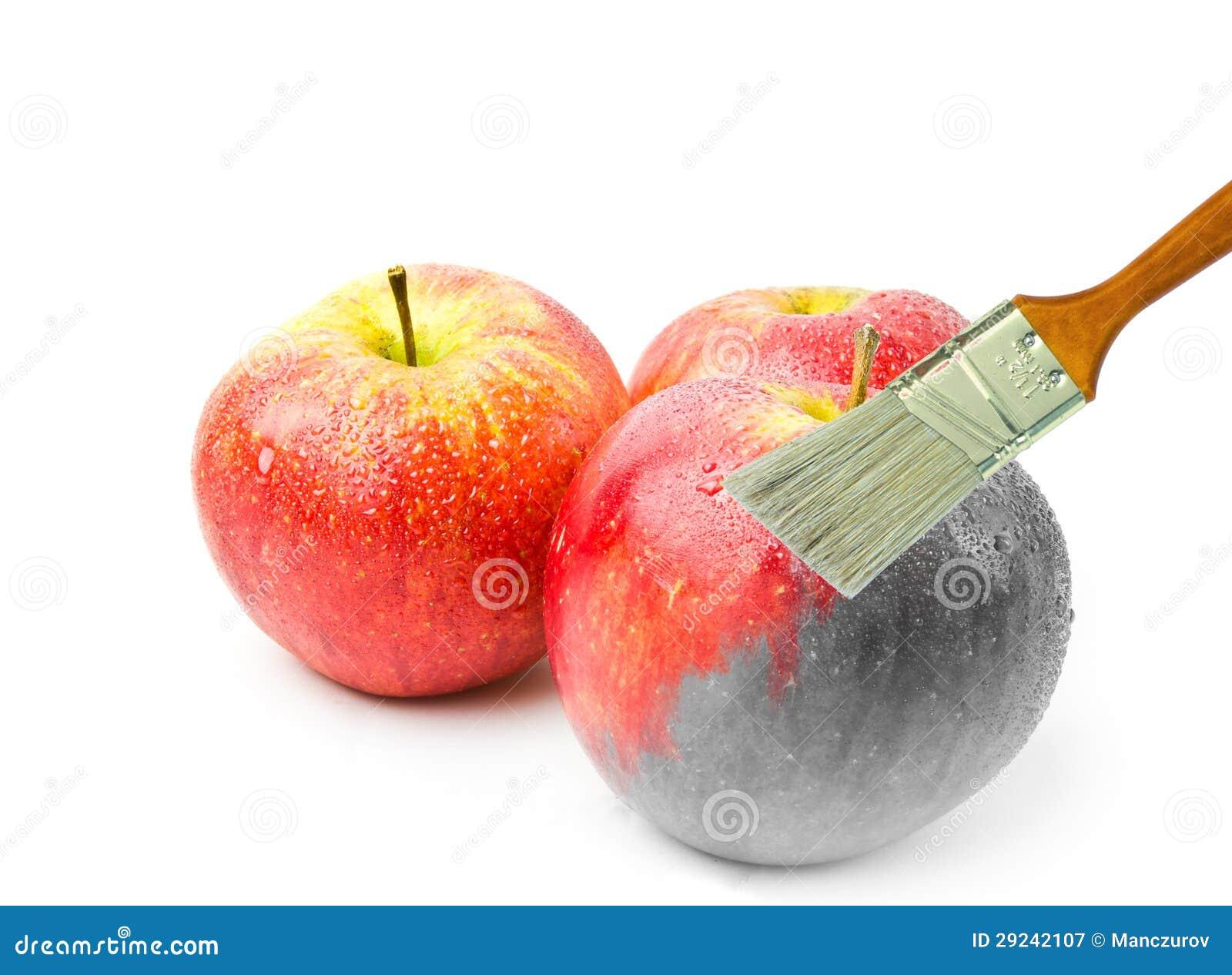 Download Pincel Que Pinta Uma Maçã Molhada Vermelha Fresca Que Seja Em Parte Preto E Branco E Colorida Em Parte Imagem de Stock - Imagem de macro, inspiração: 29242107