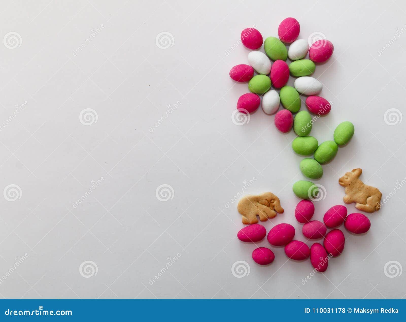Pinda s in gekleurde glans op wit blad