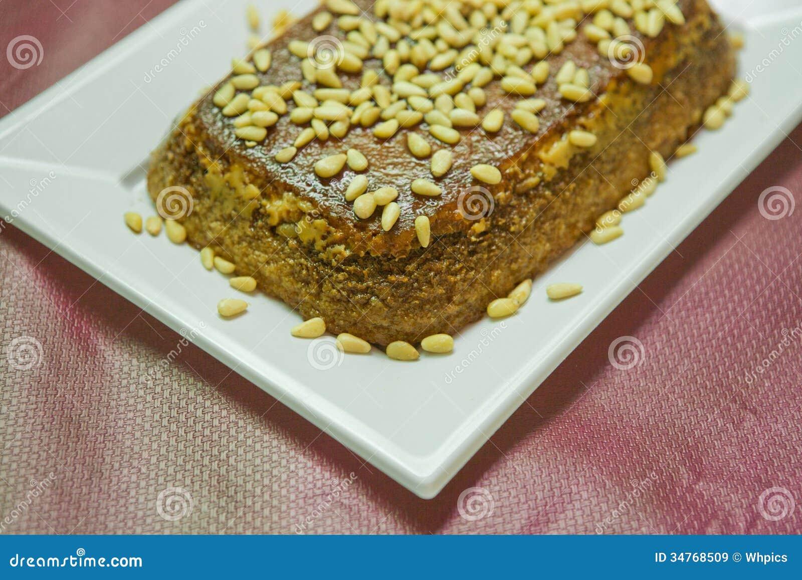 pine-nut-pie-tart-cream-nuts-toasted-sugar-34768509.jpg