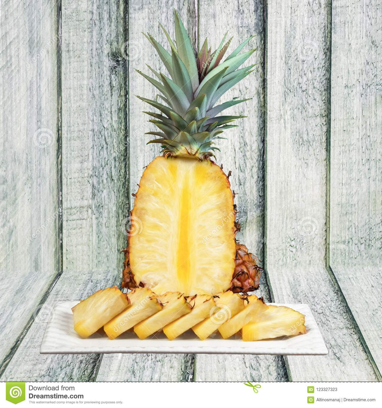 best way to cut pineapple wedges