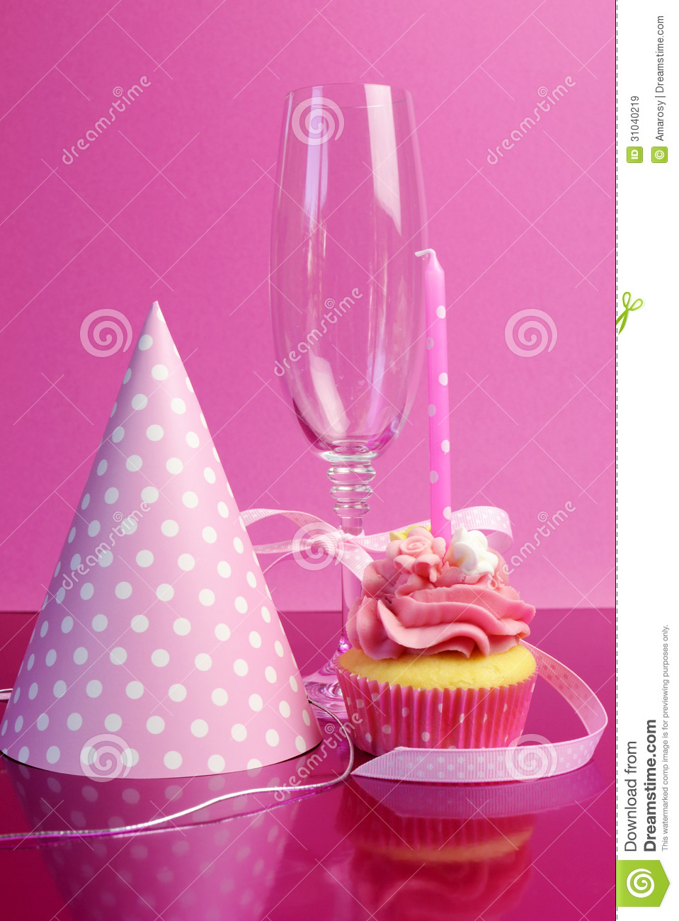 Pink Birthday Table Settings With Champagne Glass Royalty