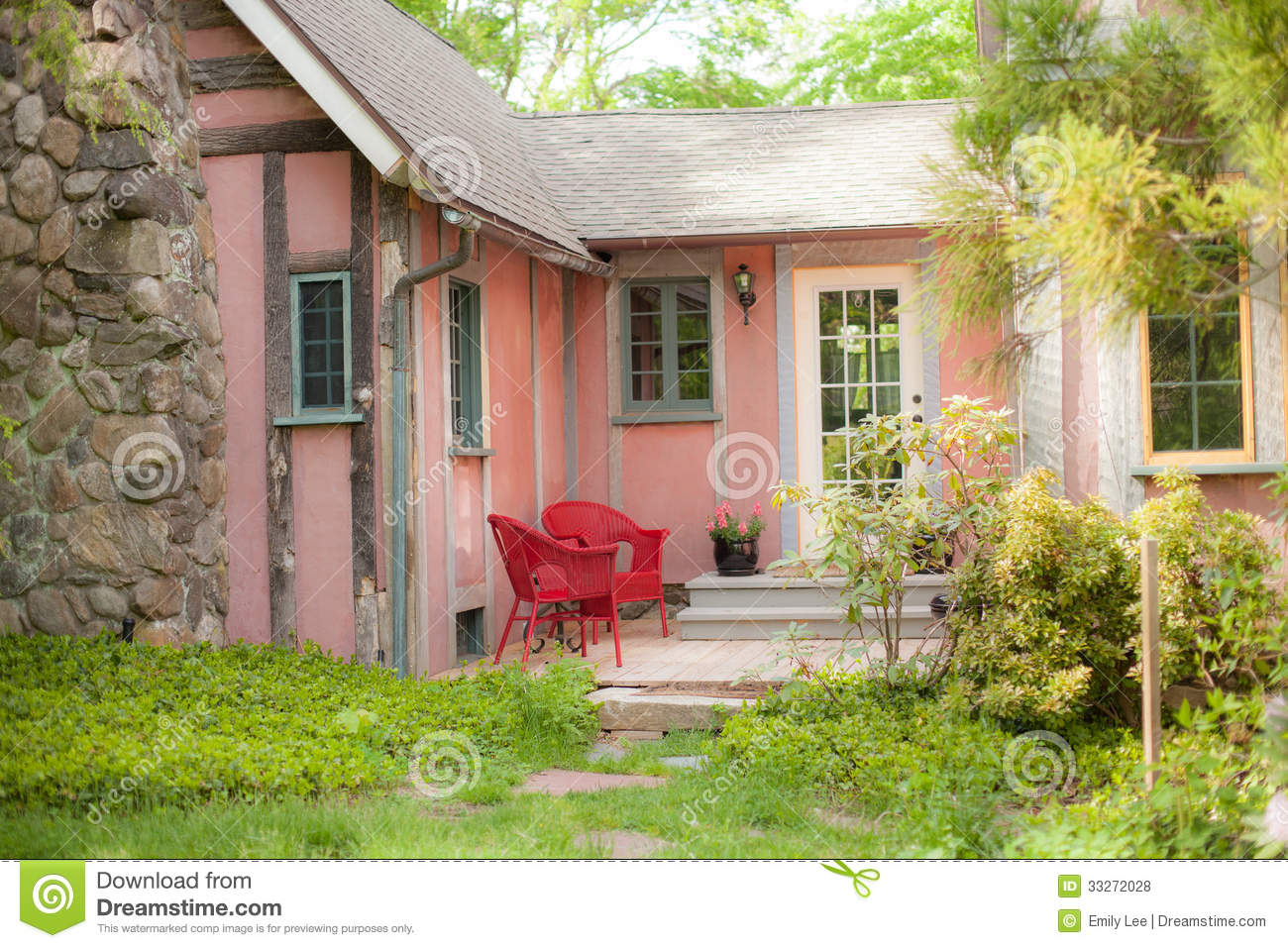 Pink Cottage Porch Royalty Free Stock Photos Image 33272028