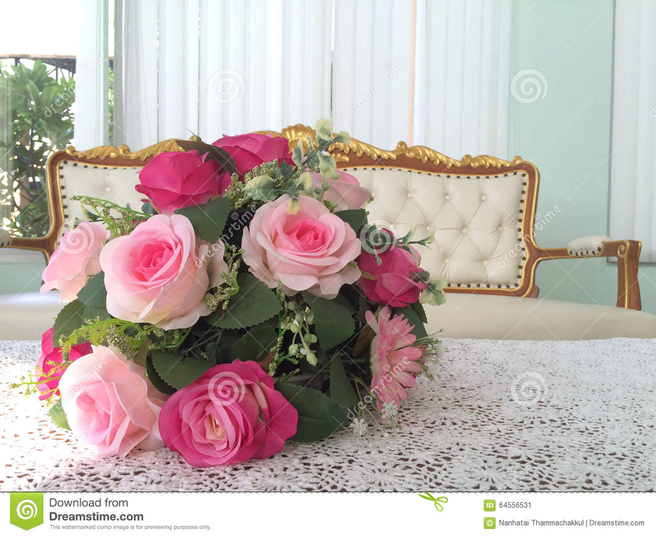 Pink Rose Bouquet On Table Stock Image Image Of Indoors 64556531