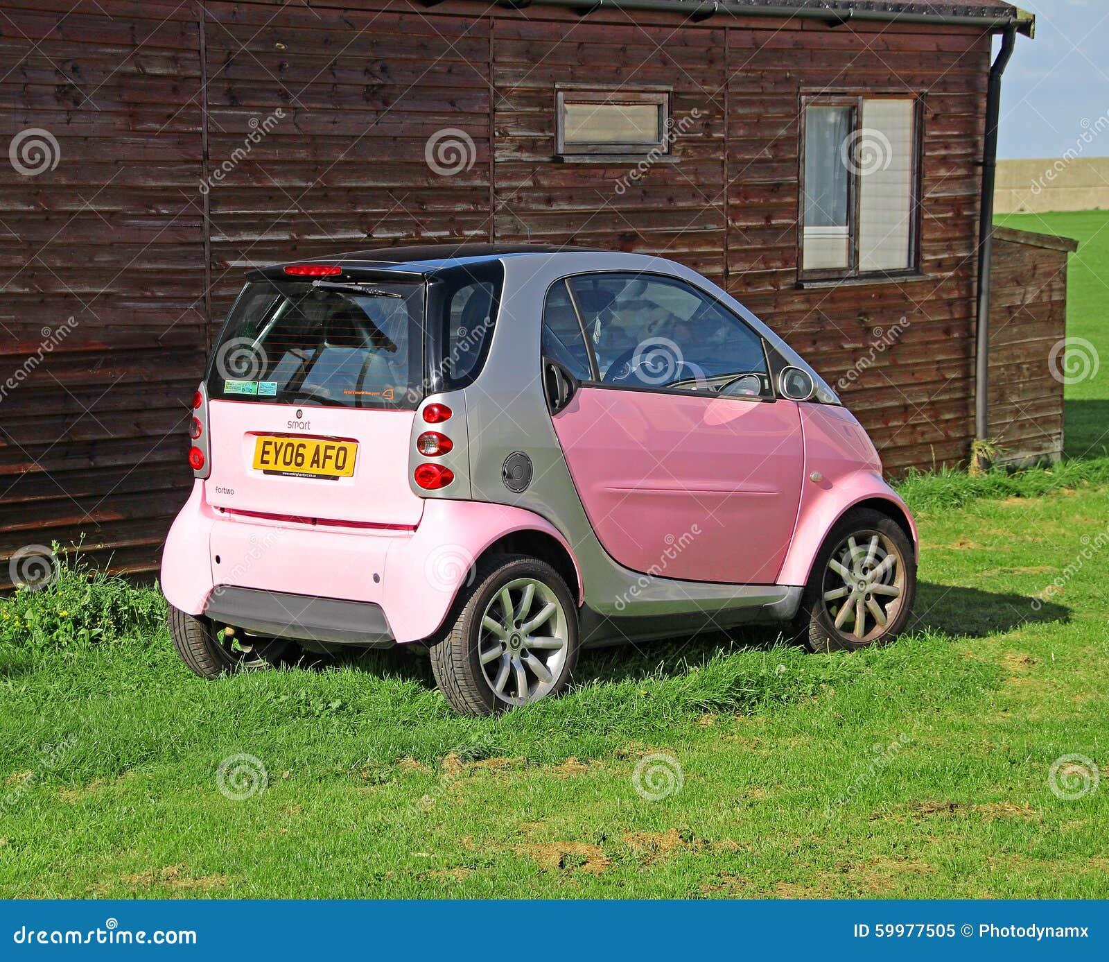 Pink Smartcar Bobbydaleearnhardt.com