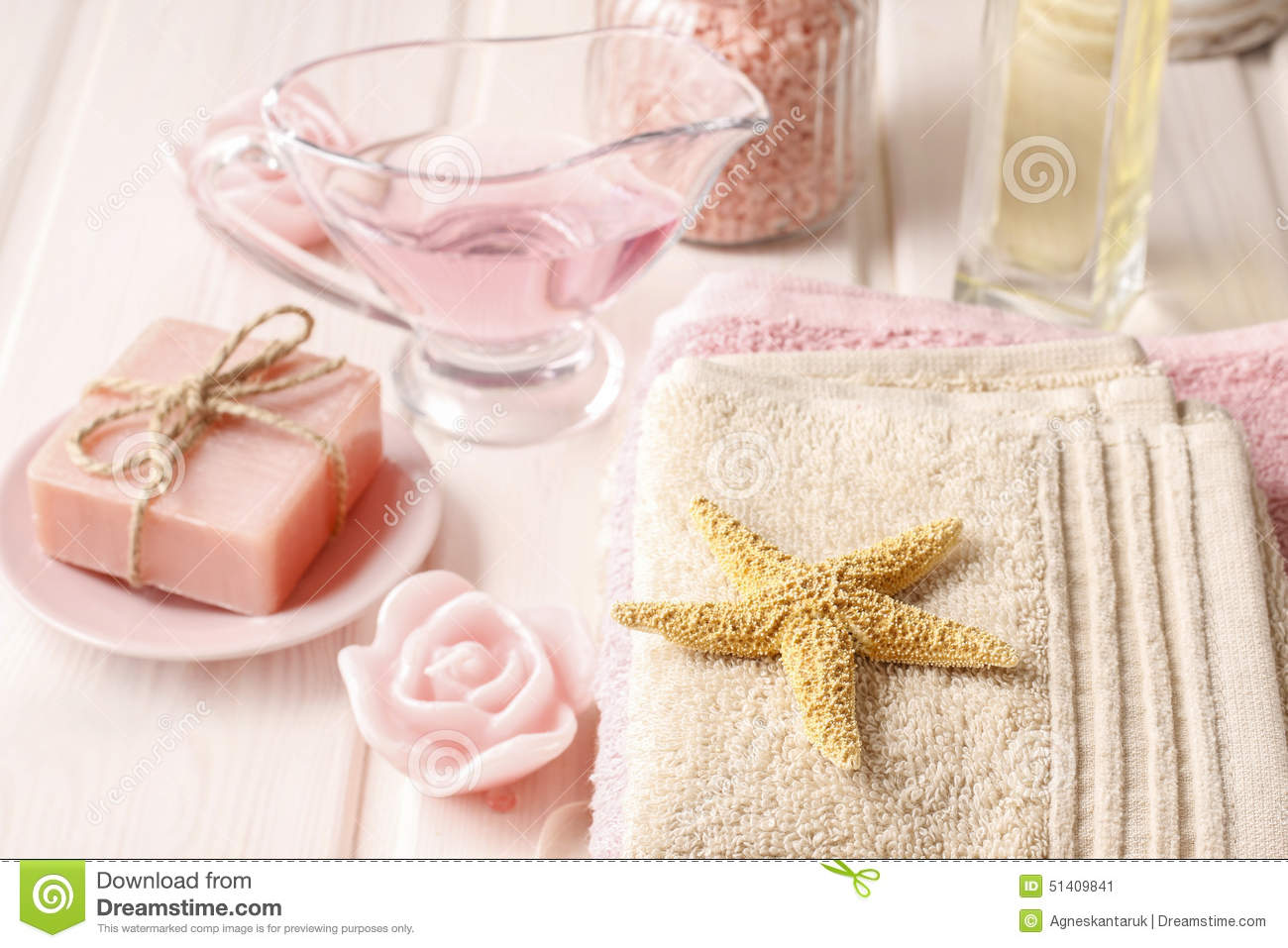 Pink Spa Set: Liquid Soap, Essential Oils, Towels And Sea Salts ...