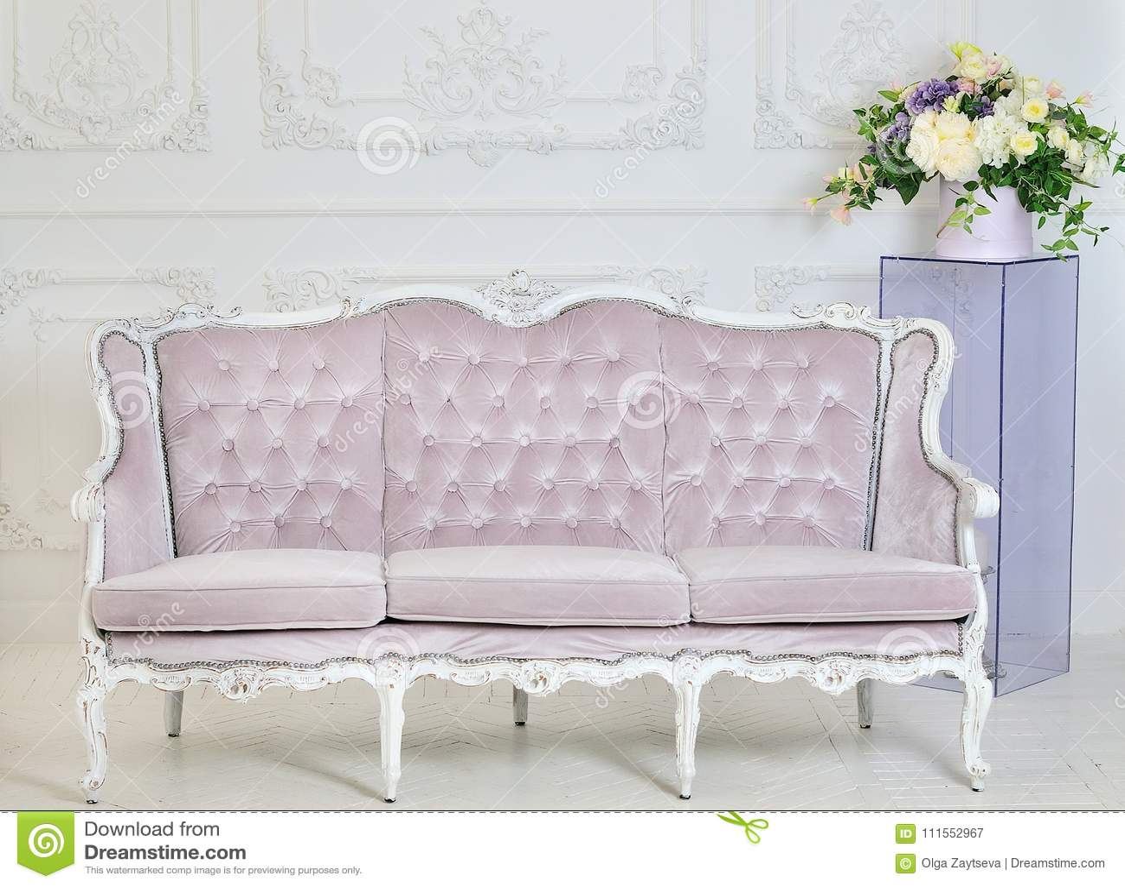 Bon Pink Vintage Sofa On A Gray Background