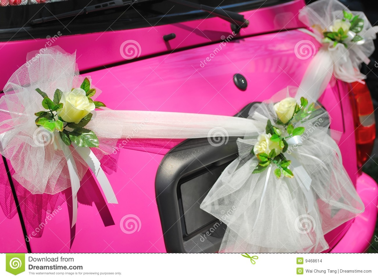 Pink Wedding Car With Flower Decorations Stock Photo - Image of ...
