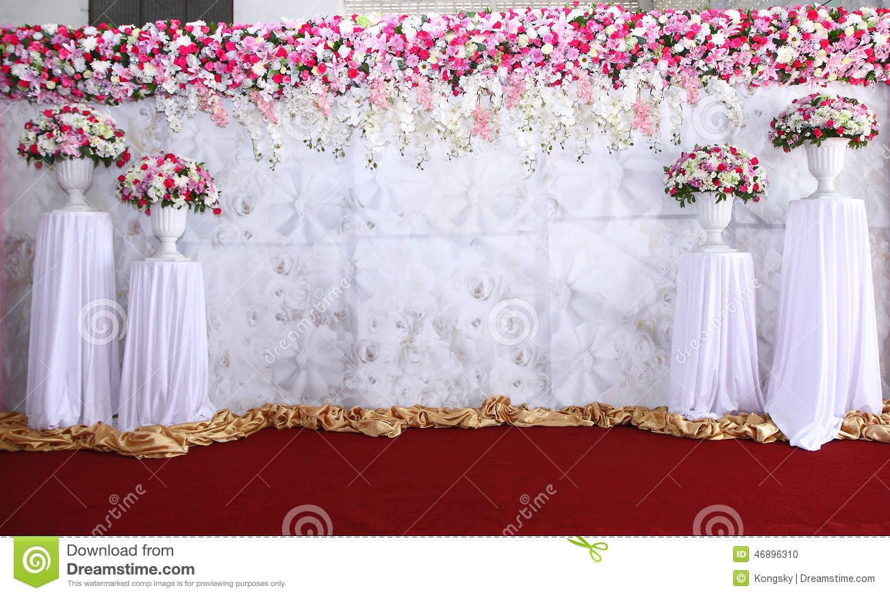 Pink And White Backdrop Flowers Arrangement Ready For Wedding Stock Photo