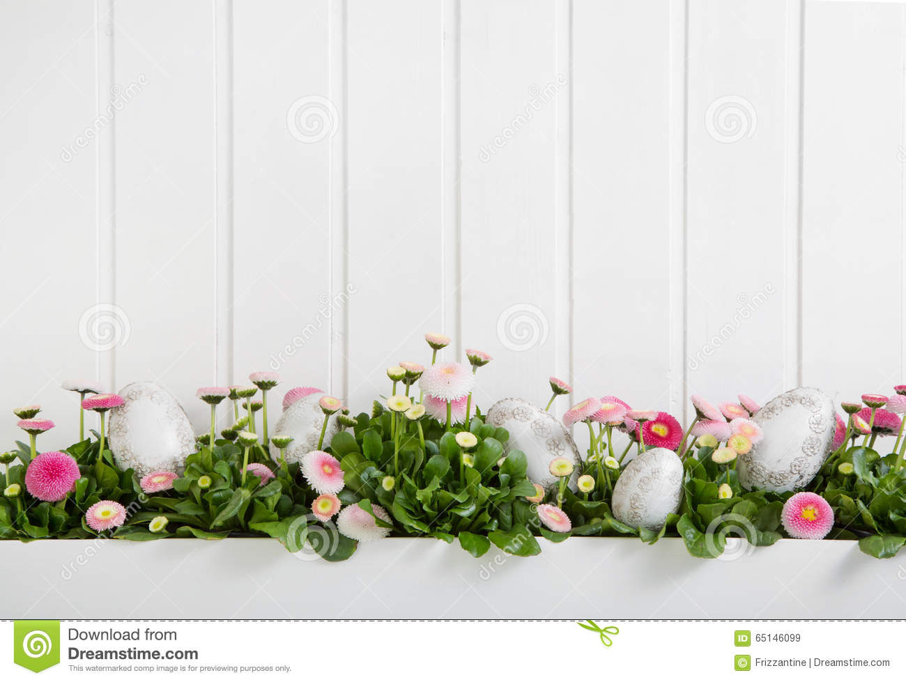 Pink and white daisy flowers with easter eggs for for Deco murale shabby chic