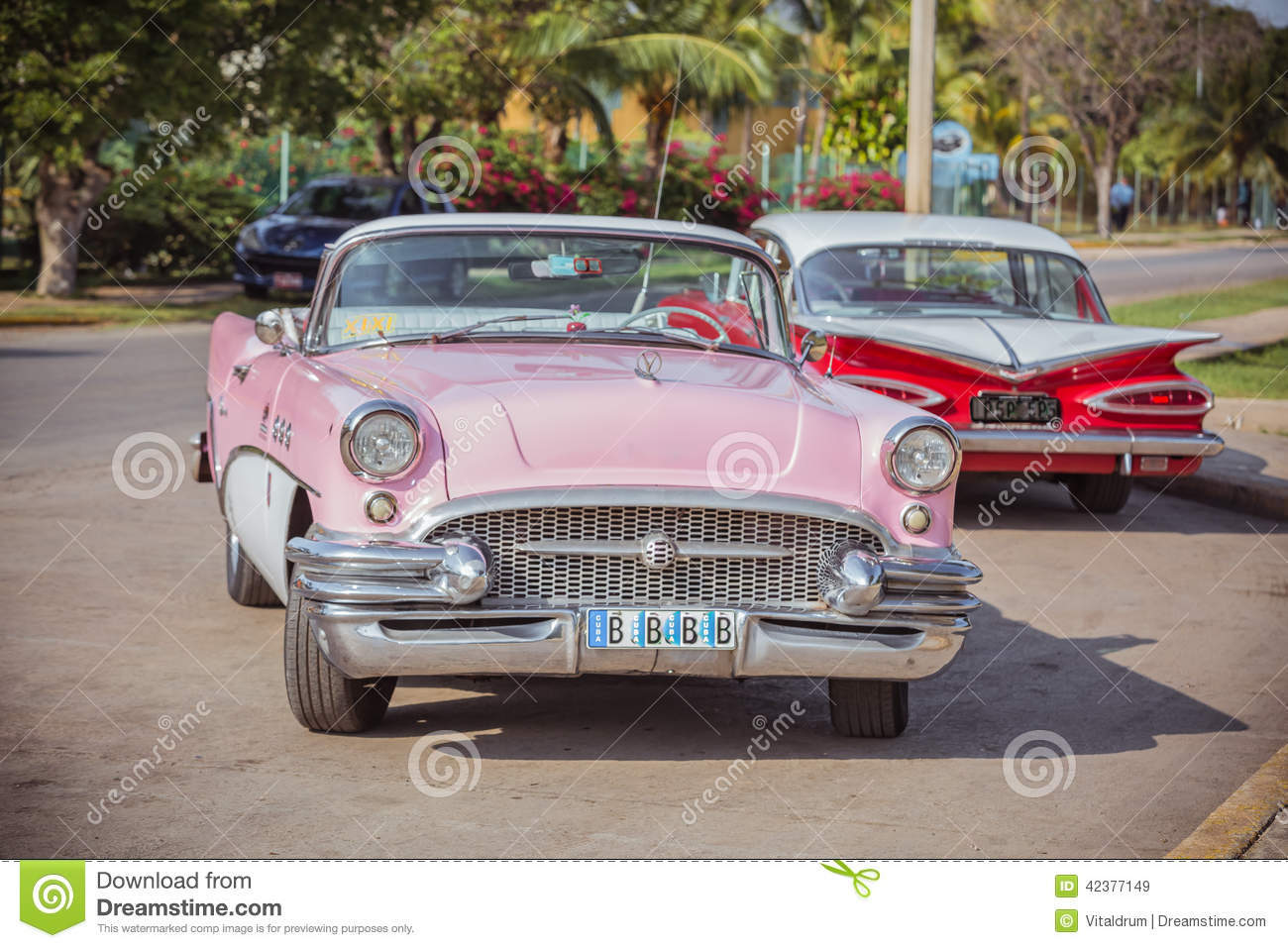 Pink White Red Old Classic Vintage Retro Cars Editorial Stock Image Image Of Fragment Leafs 42377149