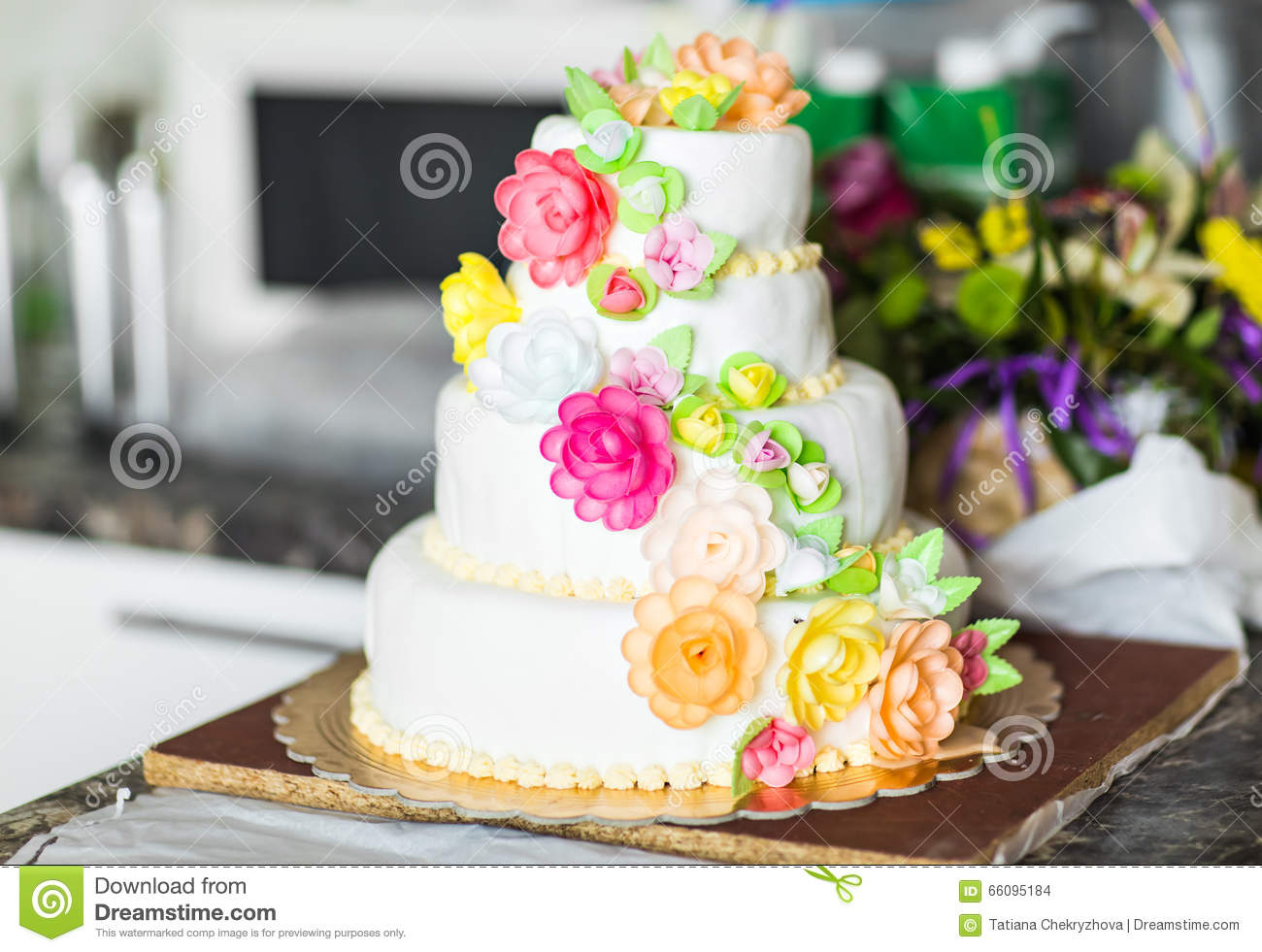 Pink And White Wedding Cake With Roses Stock Image