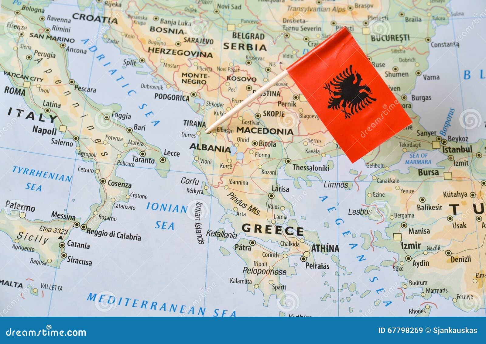 Pino da bandeira de Albânia no mapa