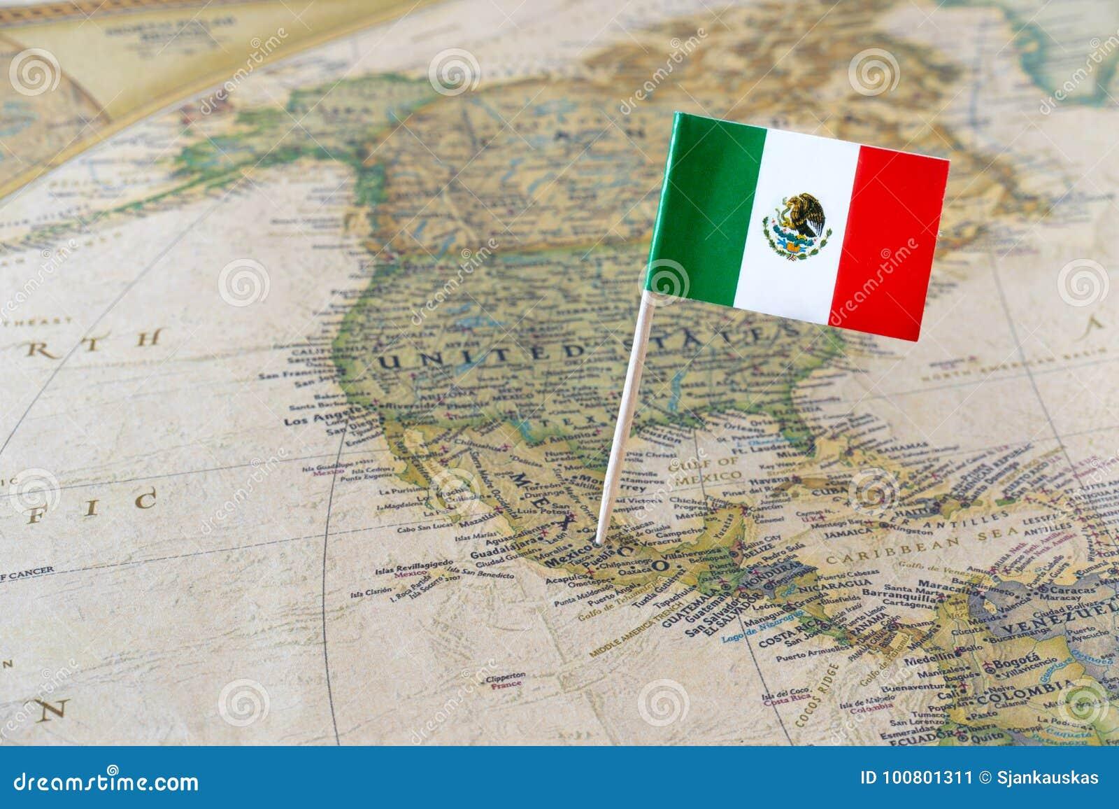 Pino da bandeira de México no mapa
