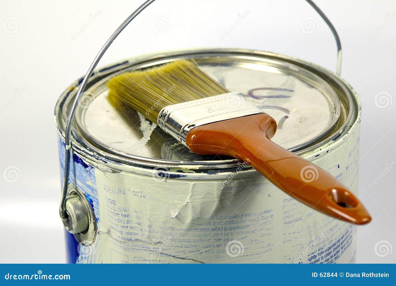 Pintura e escova
