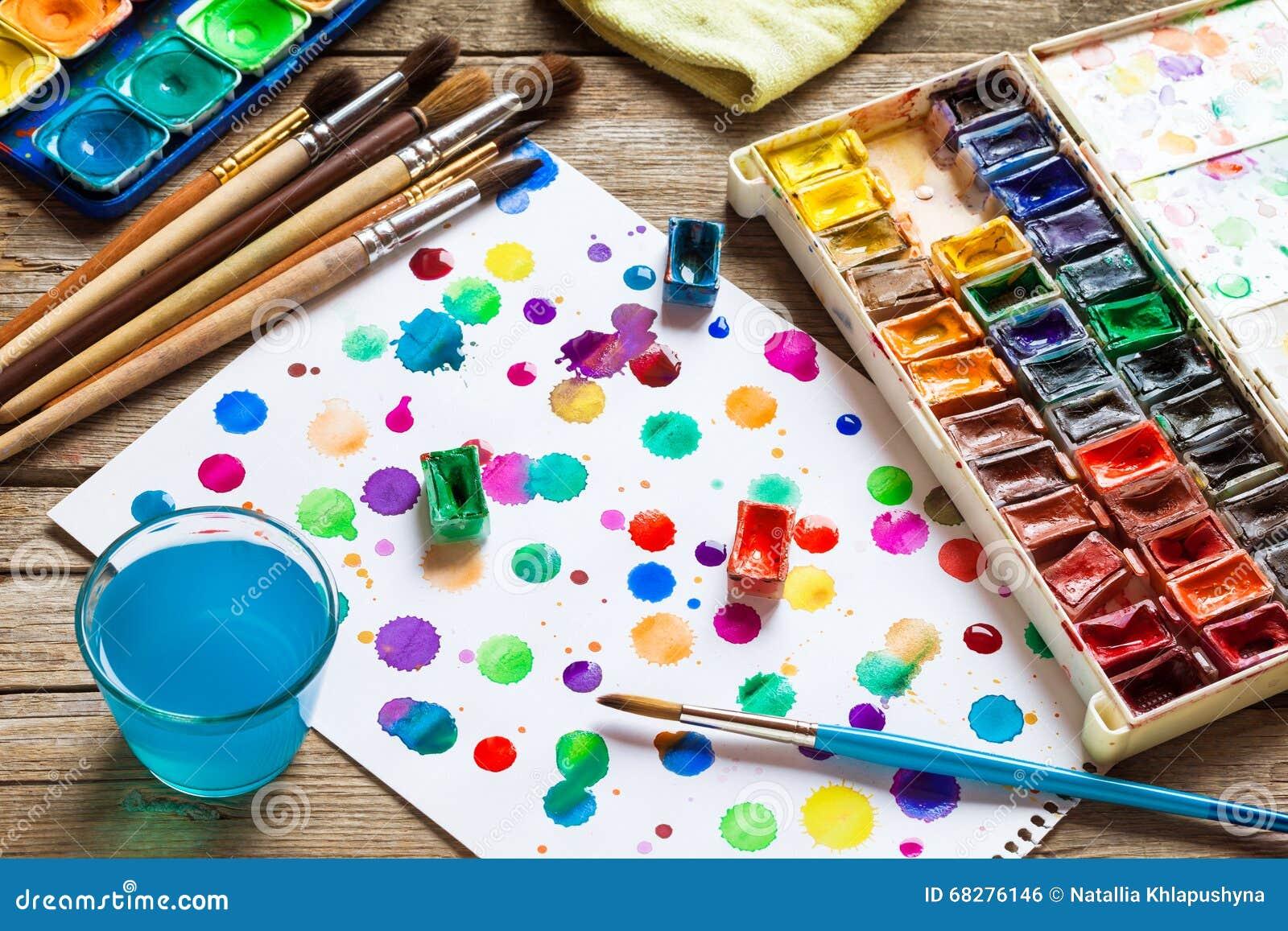 Pinturas de la acuarela cepillos para pintar y hoja de - Papel de pintar ...