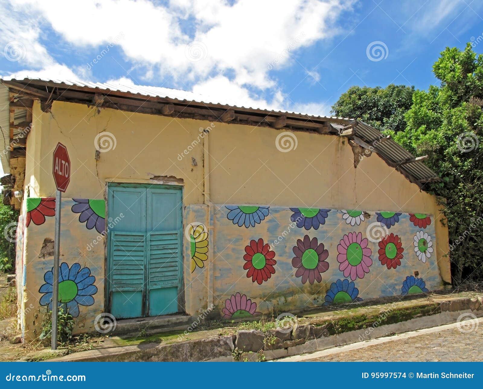 Pinturas Murais Na Casa Ruta De Las Flores El Salvador Foto De