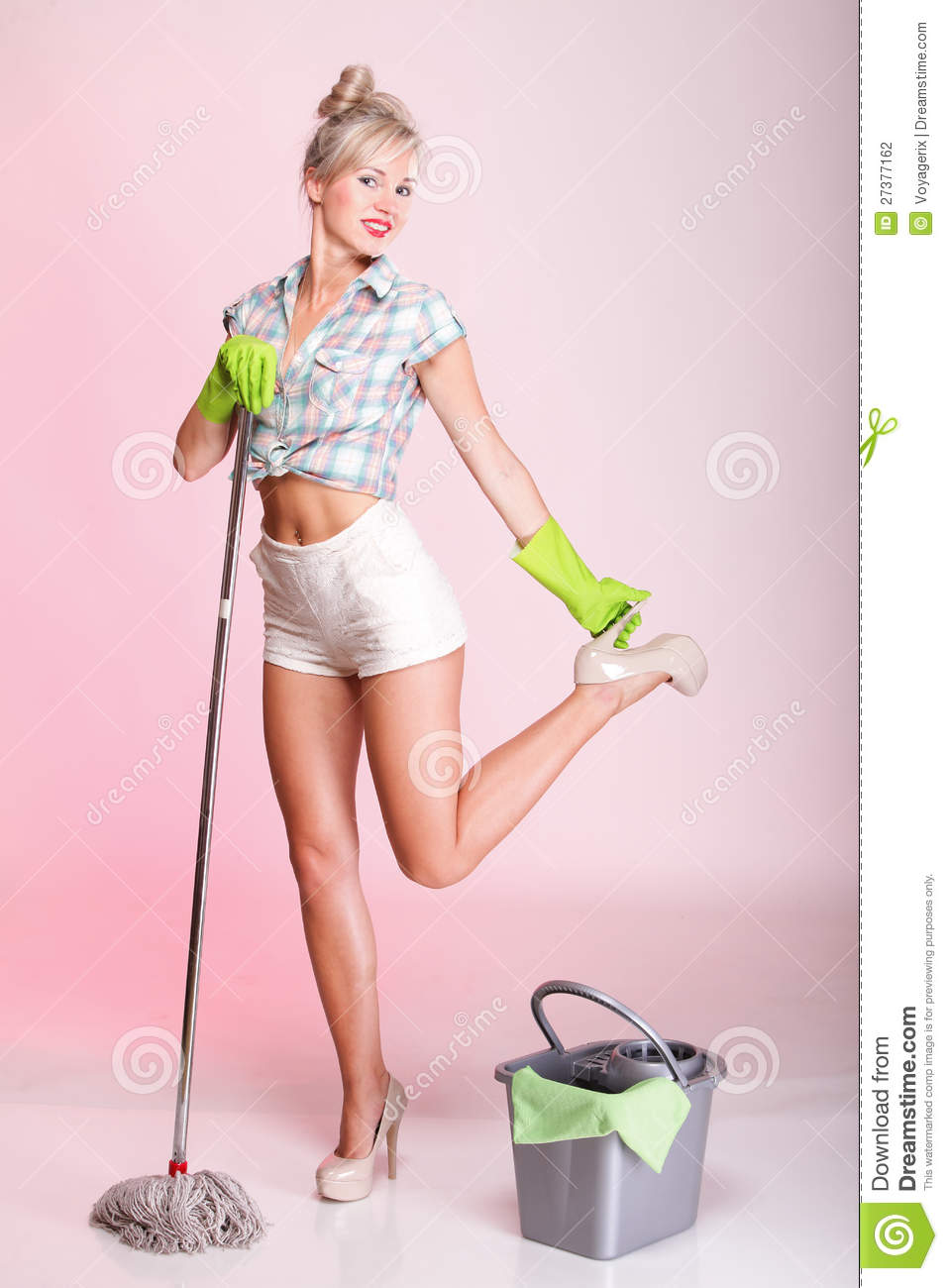 Video girl house wife