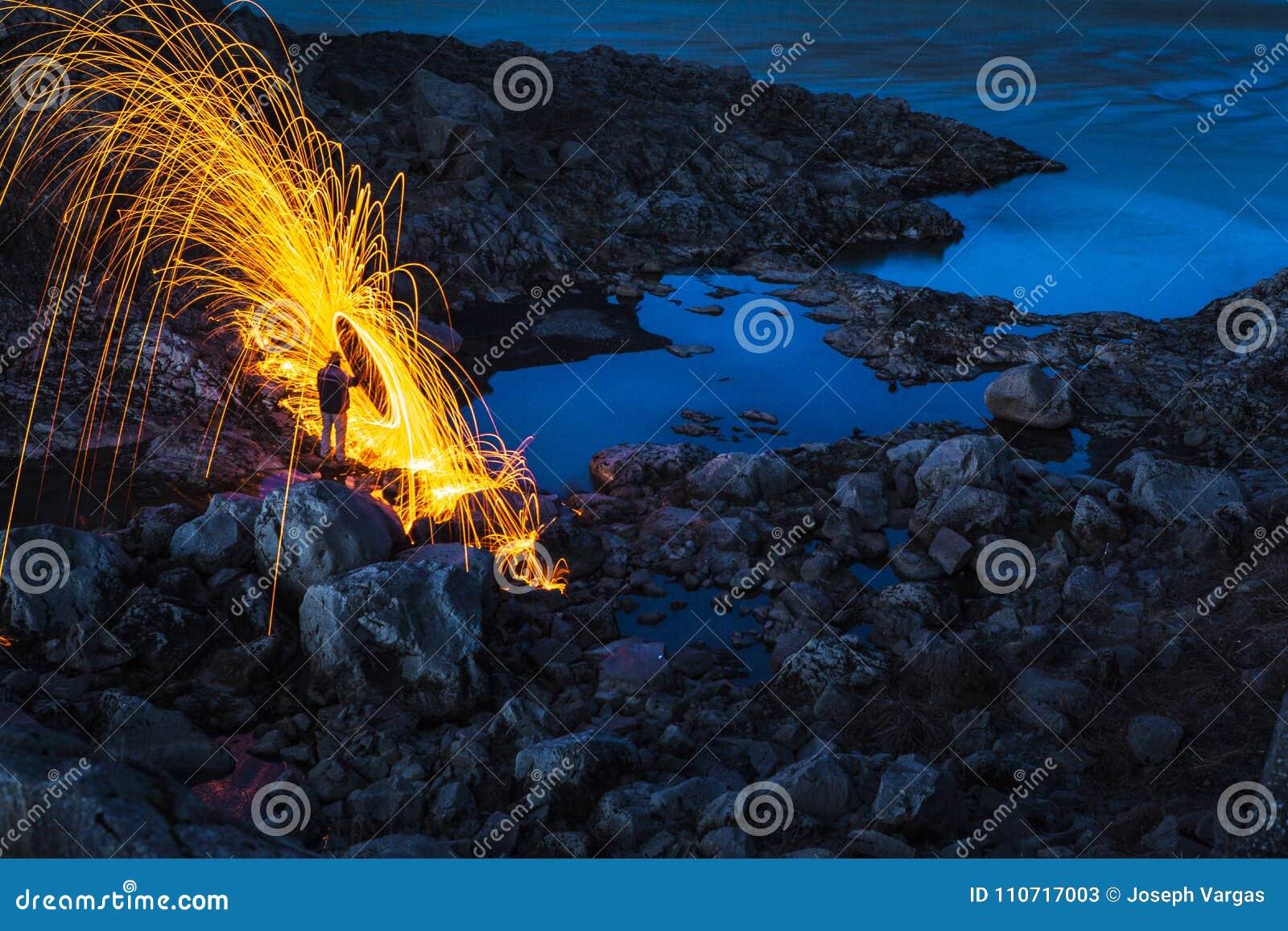 Pioggia di fuoco in Islanda