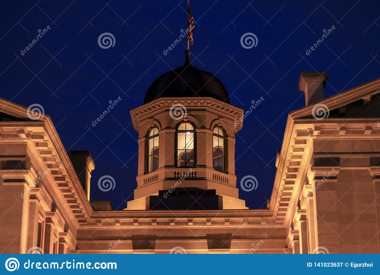 Pioneer courthouse at night