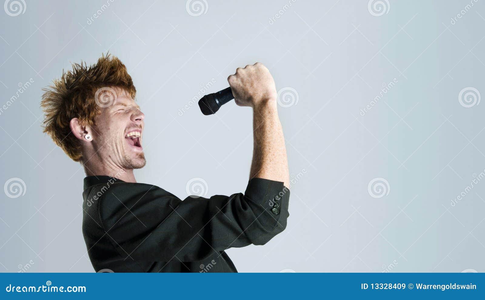 Piosenkarz w studiu
