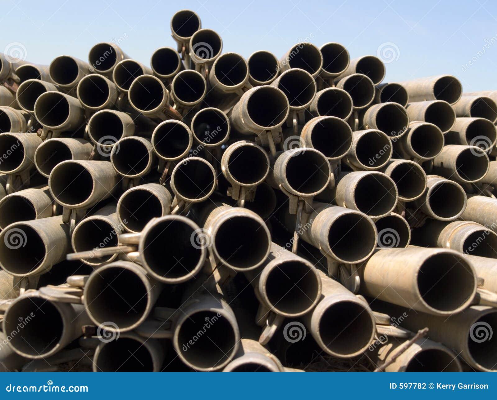 Pipes 3 en métal