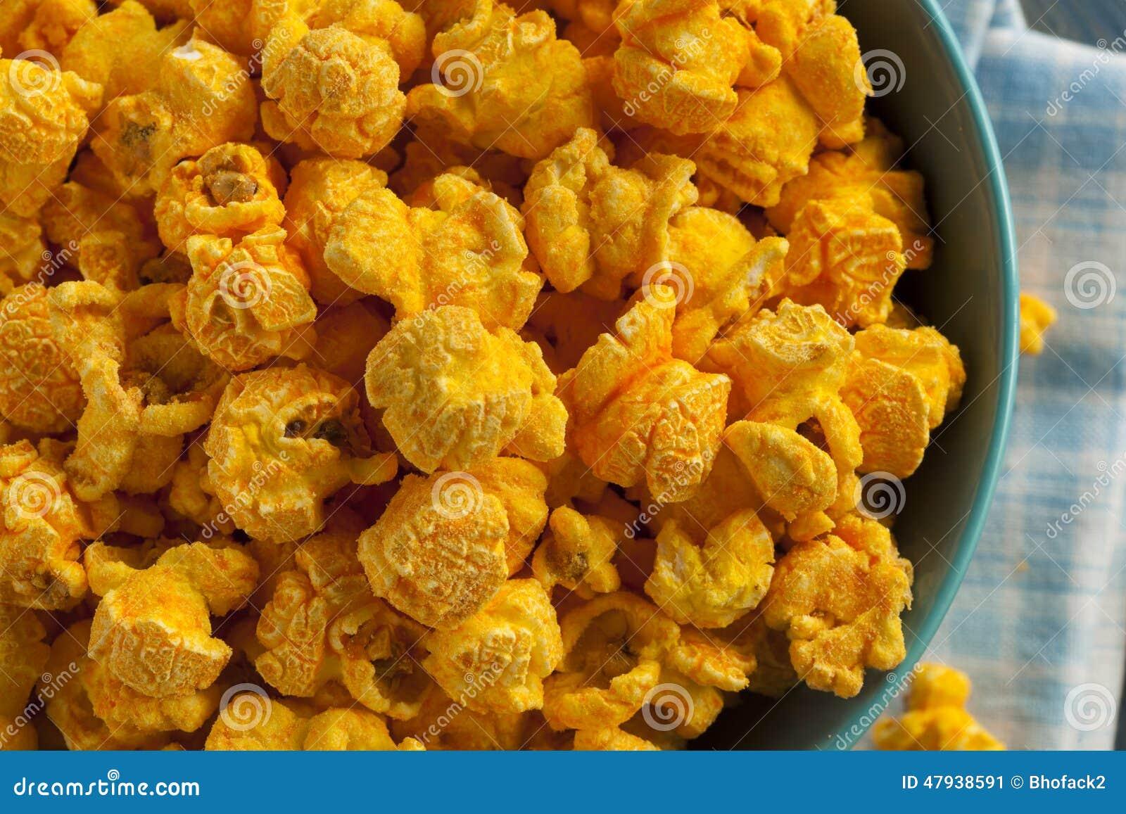 Pipoca caseiro do queijo cheddar