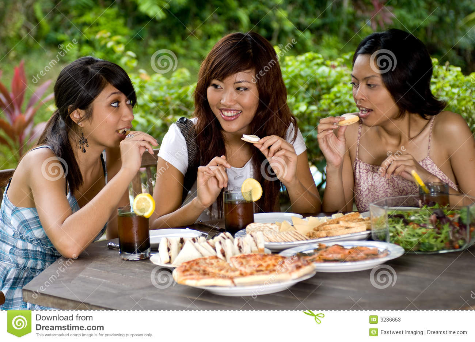 Pique-nique avec des amis