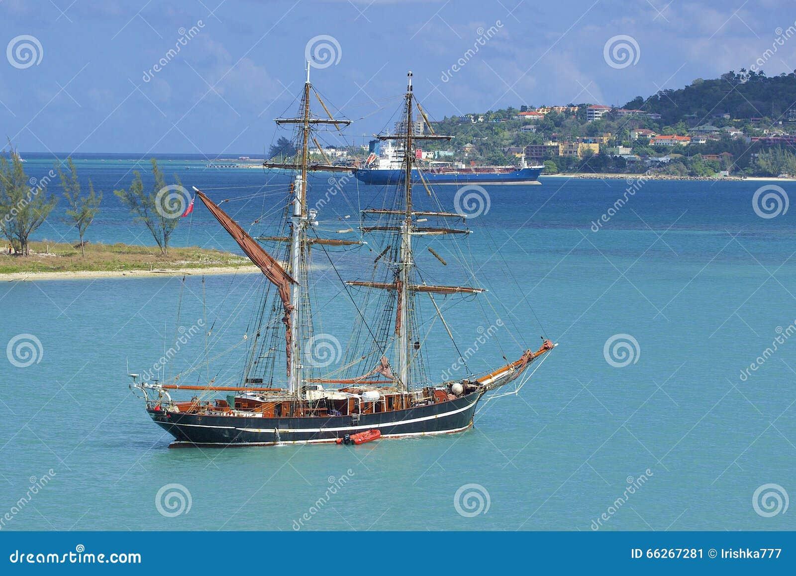 Piraatboot in Montego Bay in Caraïbisch Jamaïca,
