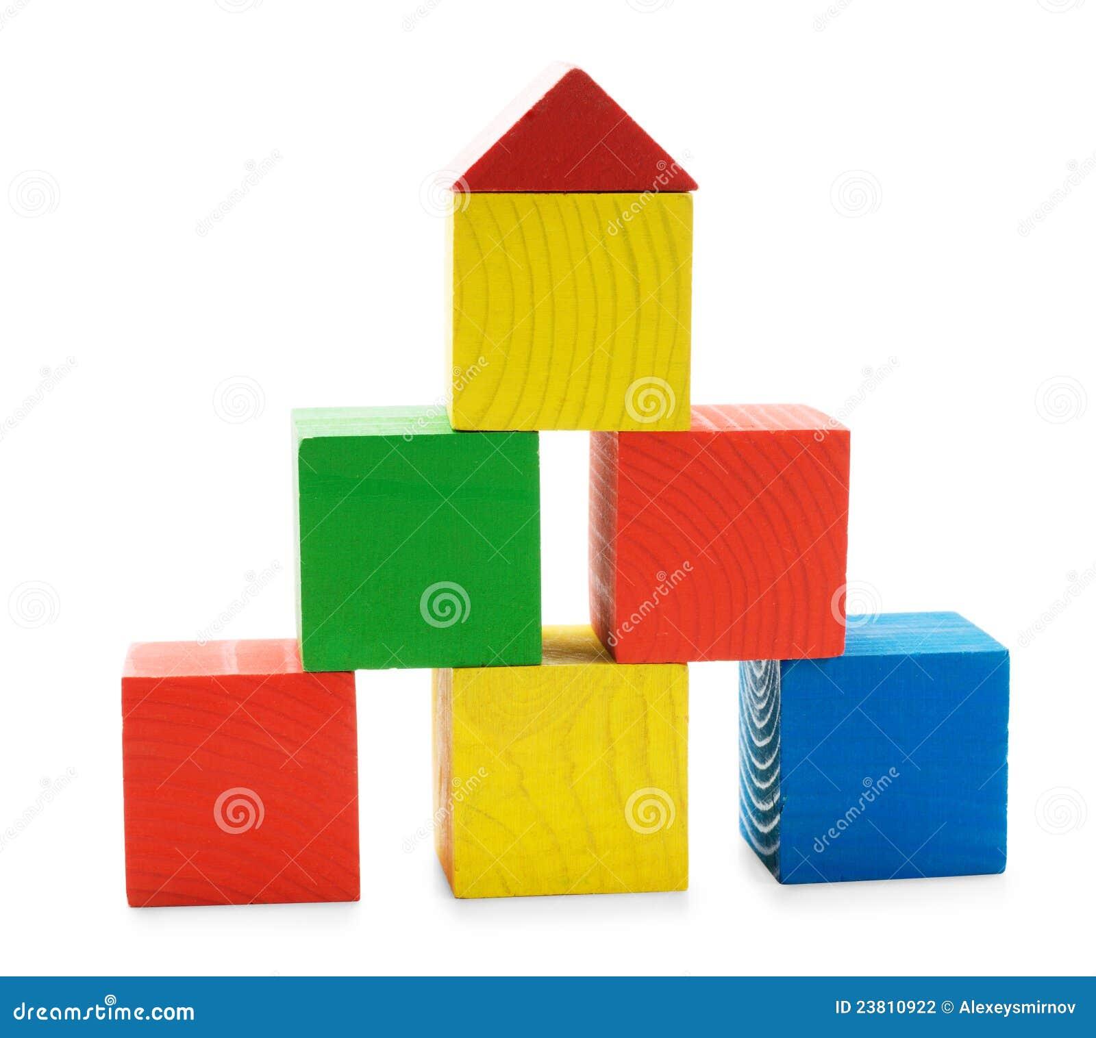 Piramide di costruzione colorata di legno dei giocattoli for Costruttore di piani di costruzione