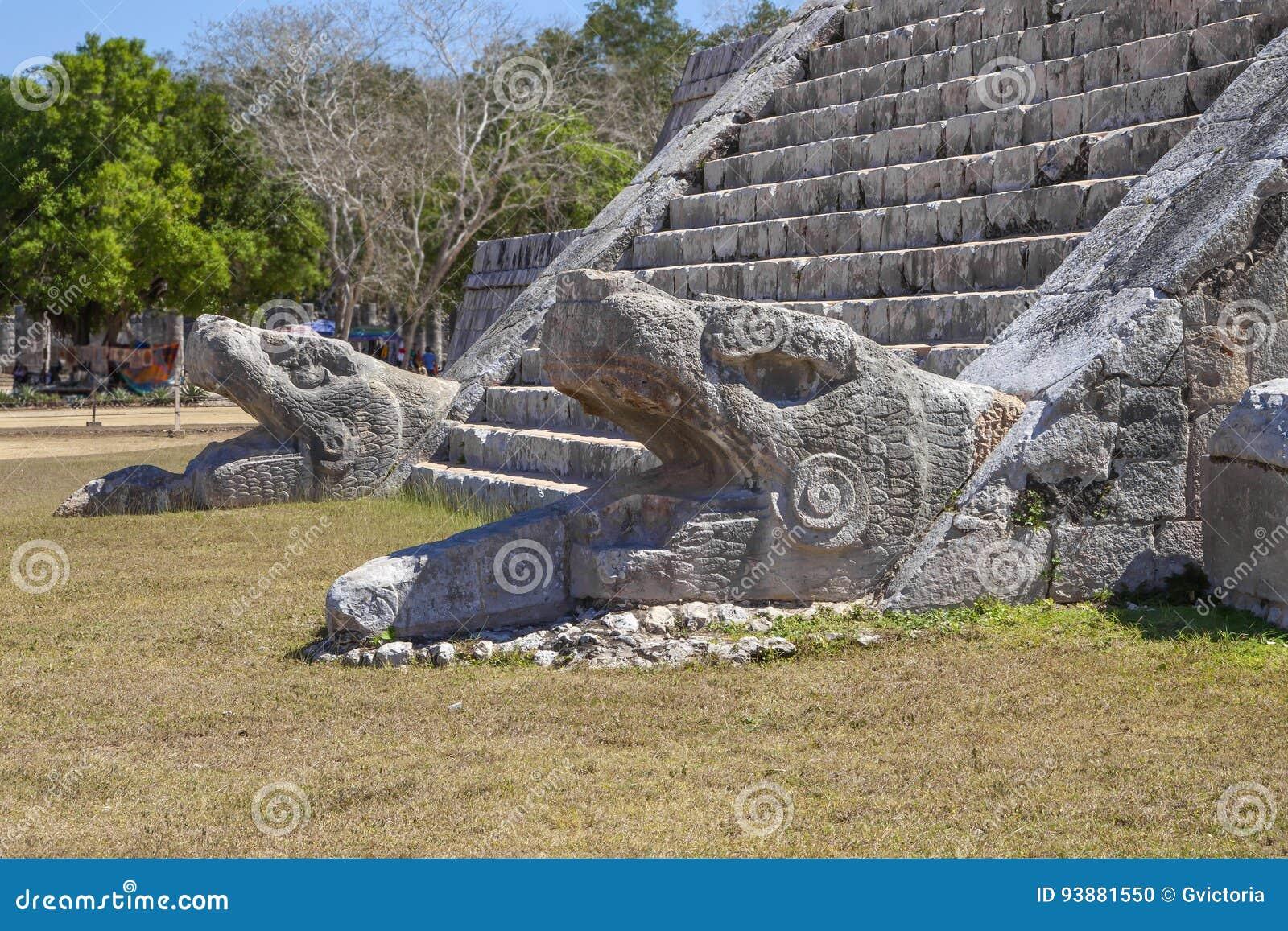Piramide Kukulcan in Chichen Itza, Yucatan, Mexico