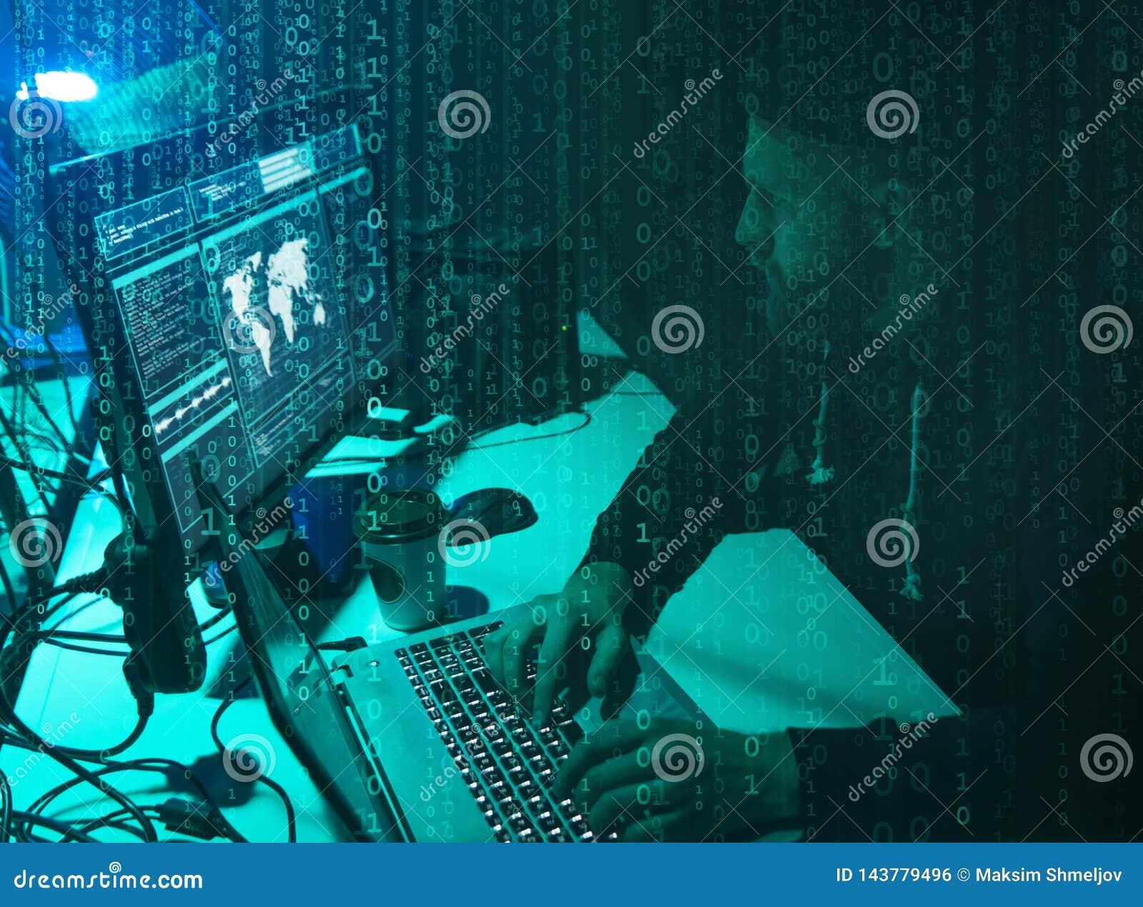 Piratas inform?ticos queridos que cifran el ransomware del virus usando los ordenadores port?tiles y los ordenadores Ataque ciber