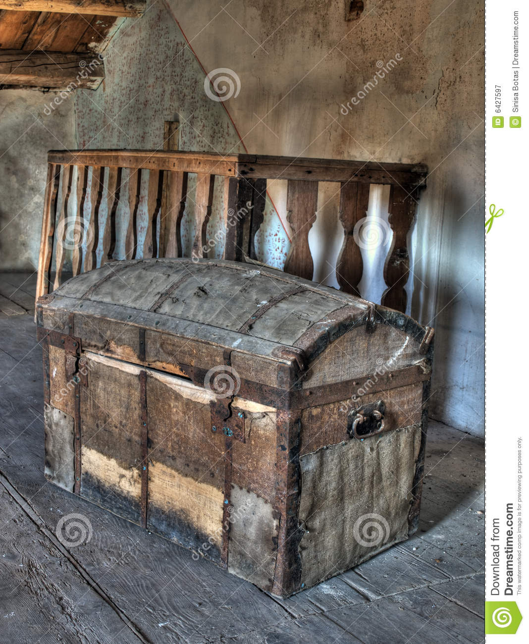 pirate treasure chest royalty free stock photography image 6427597