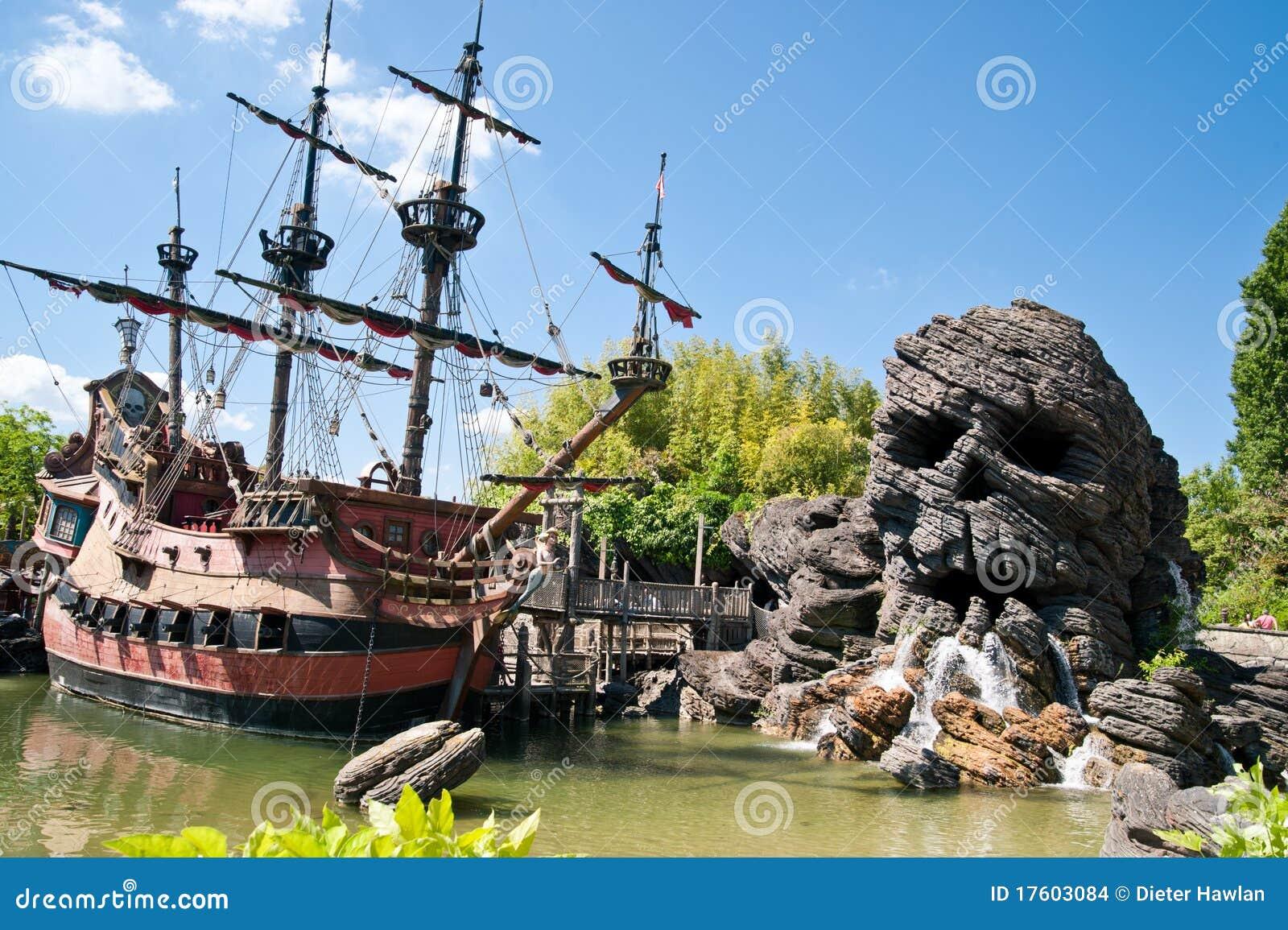 pirates de th me des cara bes image stock ditorial image 17603084. Black Bedroom Furniture Sets. Home Design Ideas