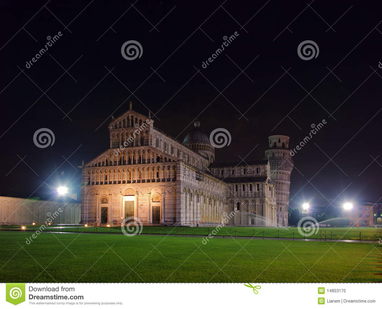 Pisa cathedral night