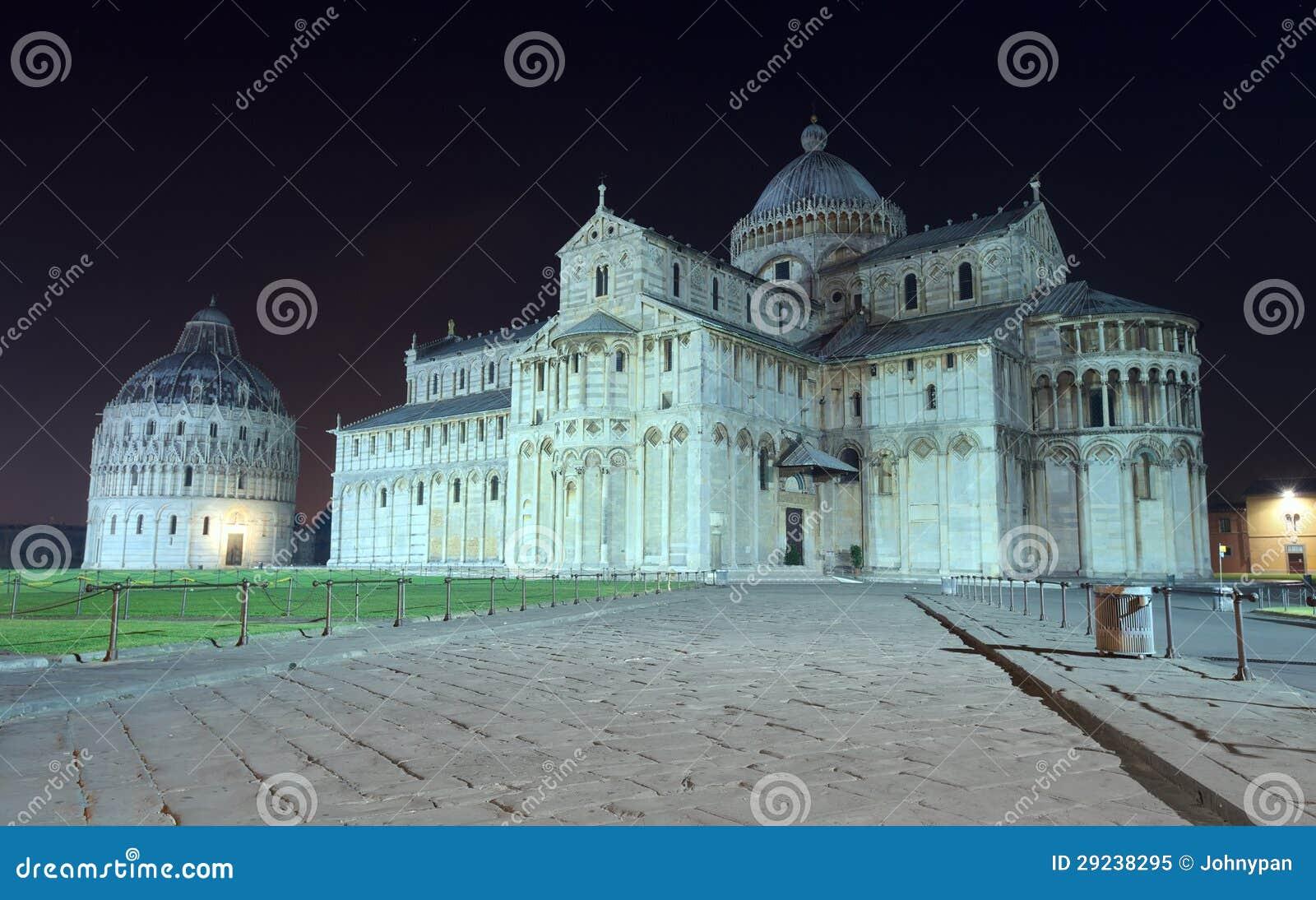 Download Pisa na noite imagem de stock. Imagem de religião, escuro - 29238295