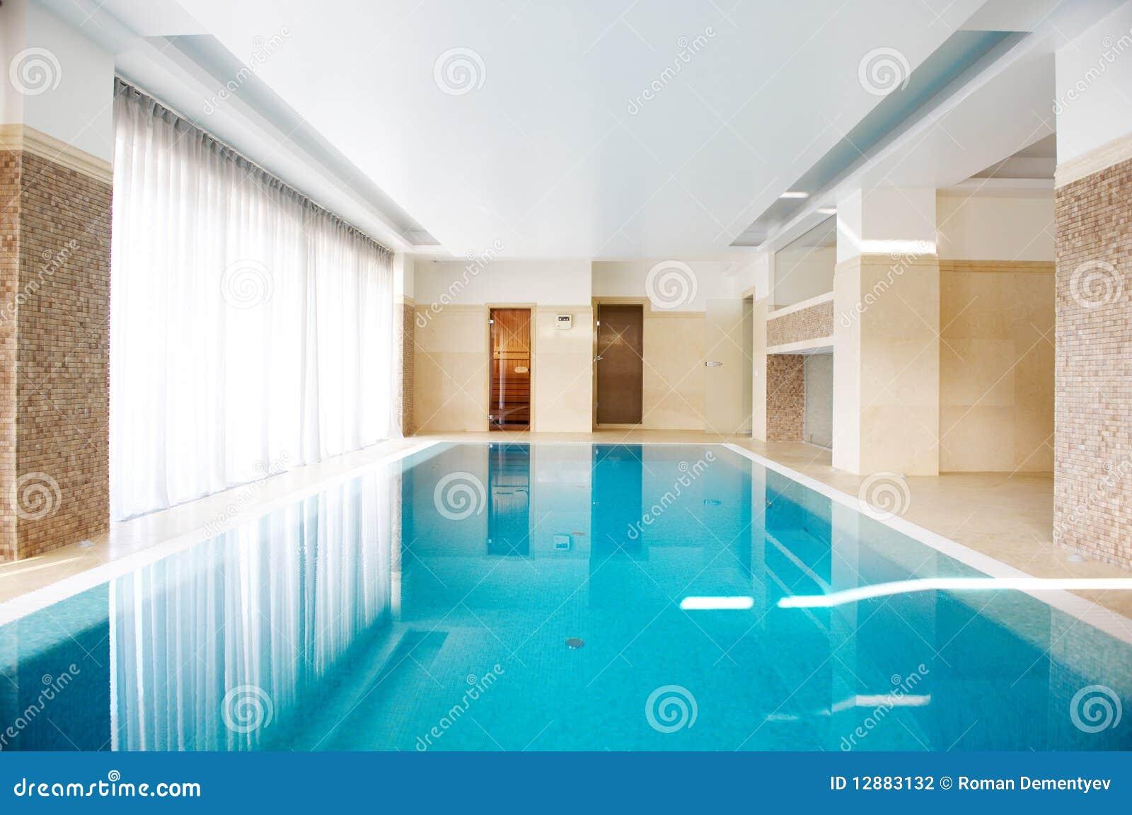 Piscina adentro dentro de la casa - Business plan piscina ...